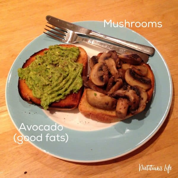 Avocado and mushrooms on toast, high fibre low sugar meal plan dietitian's life